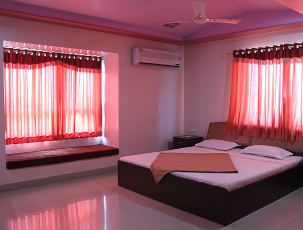 Hotel Sukh Sagar Somnath Rooms