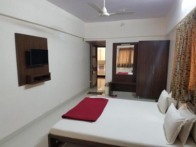 Hotel Rajdhani, Somnath